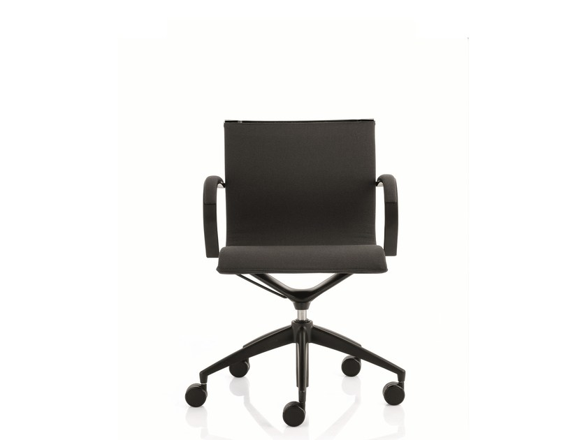Low back executive chair with 5-spoke base with armrests EM202 LIGHT | Low back executive chair by Emmegi