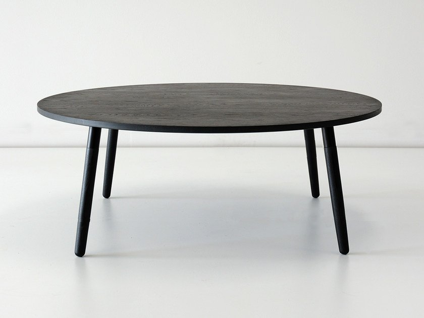 Low round solid wood coffee table CRESCENTTOWN | Low coffee table - hollis+morris