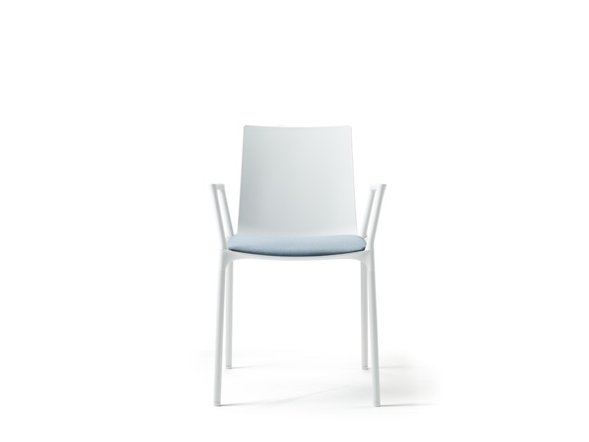 Stackable polypropylene restaurant chair with armrests MACAO | Restaurant chair - Wiesner-Hager