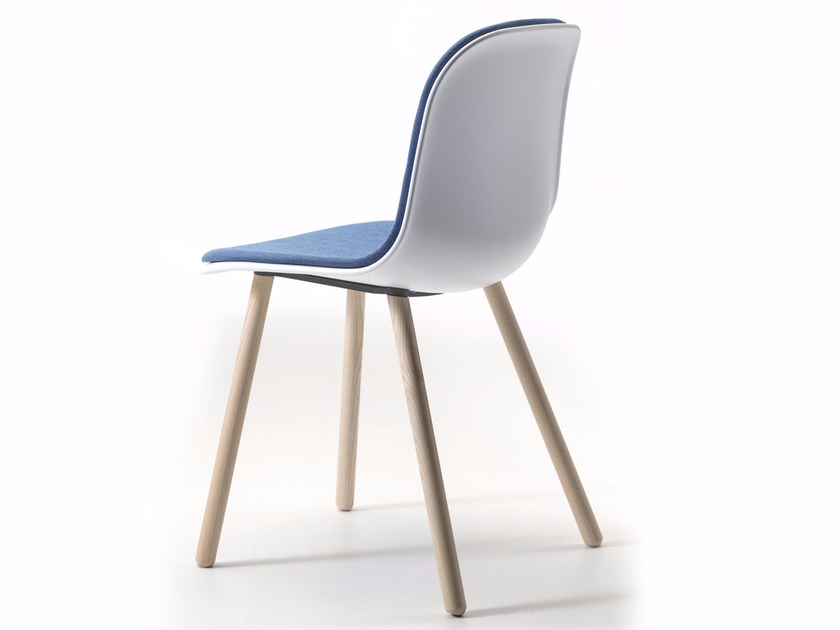 Chair with integrated cushion MANI DUO 4WL by arrmet