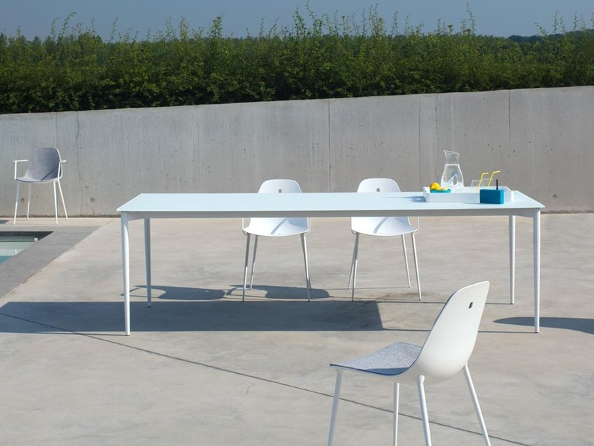 Rectangular glass and aluminium garden table MARGUERITE | Glass and aluminium table - Joli