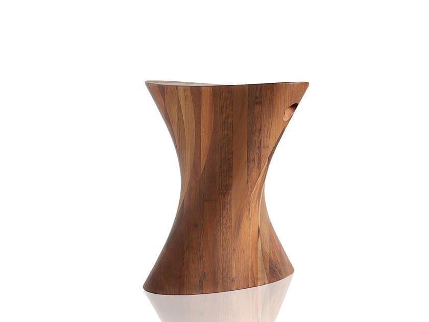 Sgabello in legno MARK | Sgabello in legno by Sollos
