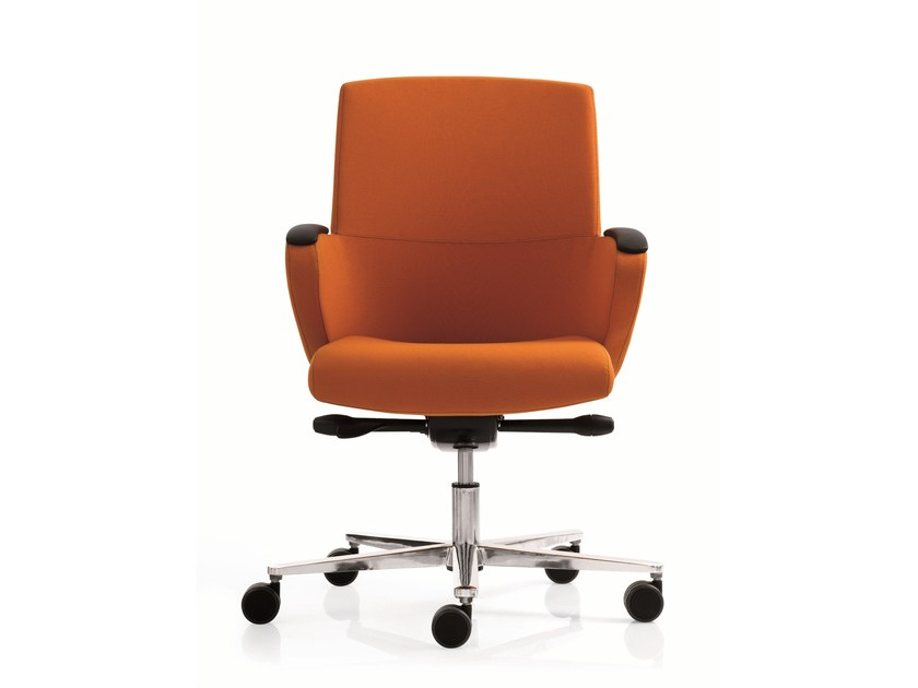 Executive chair with 5-spoke base with armrests FORMAT | Medium back executive chair - Emmegi