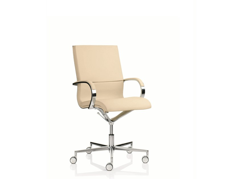 Medium back executive chair with 5-spoke base with armrests EM203 | Medium back executive chair by Emmegi