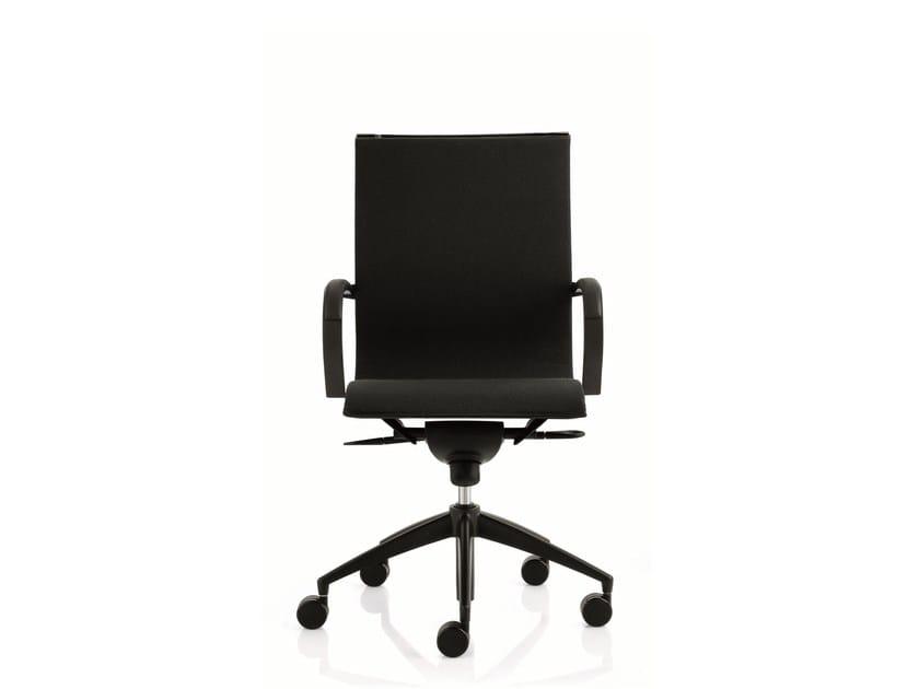 Medium back executive chair with 5-spoke base with armrests EM202 LIGHT | Medium back executive chair - Emmegi