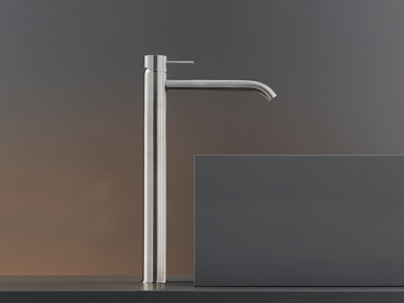 1 hole washbasin mixer MIL 18 by Ceadesign