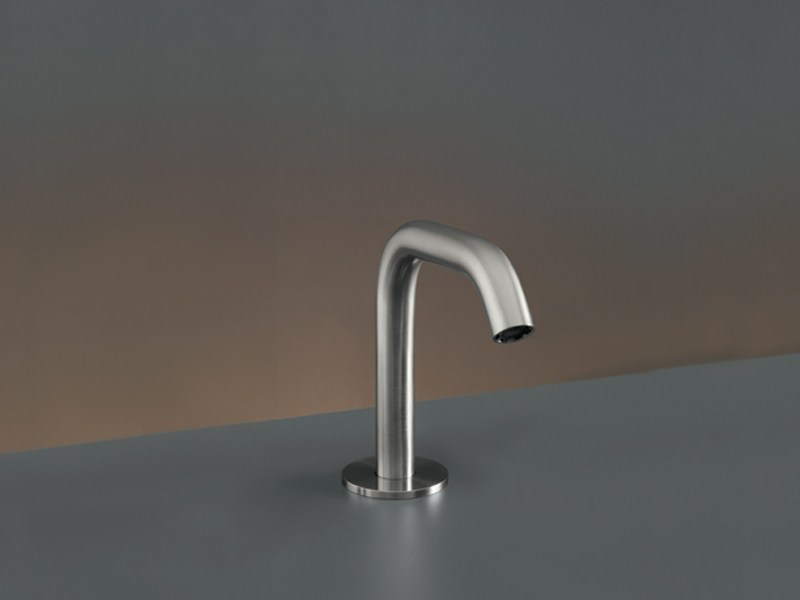 Deck-mounted spout MIL 68 by Ceadesign