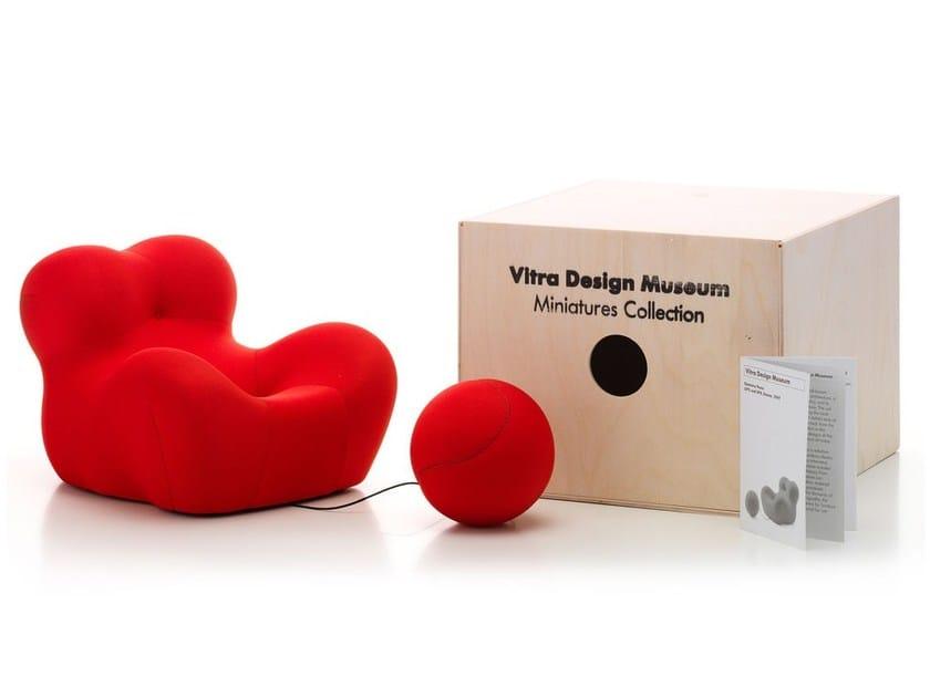 Soprammobile miniatures la mamma collezione miniatures for Mobili bauhaus repliche