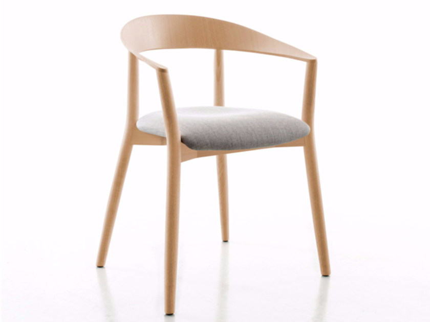Upholstered solid wood chair with armrests MITO | Upholstered chair - conmoto by Lions at Work