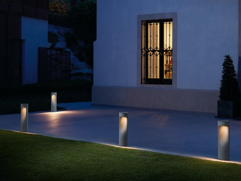 LED bollard light MOAI B/02 by BOVER