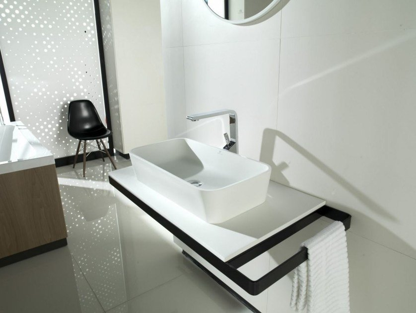 Krion® washbasin with integrated countertop with towel rail MODUL | Washbasin with towel rail - Systempool