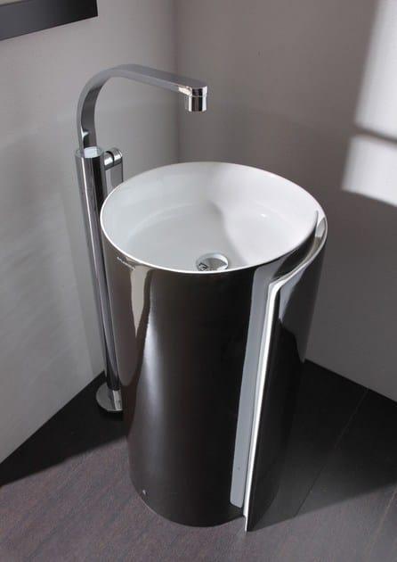 Lavabo freestanding in ceramica monoroll lavabo for Flaminia lavabi