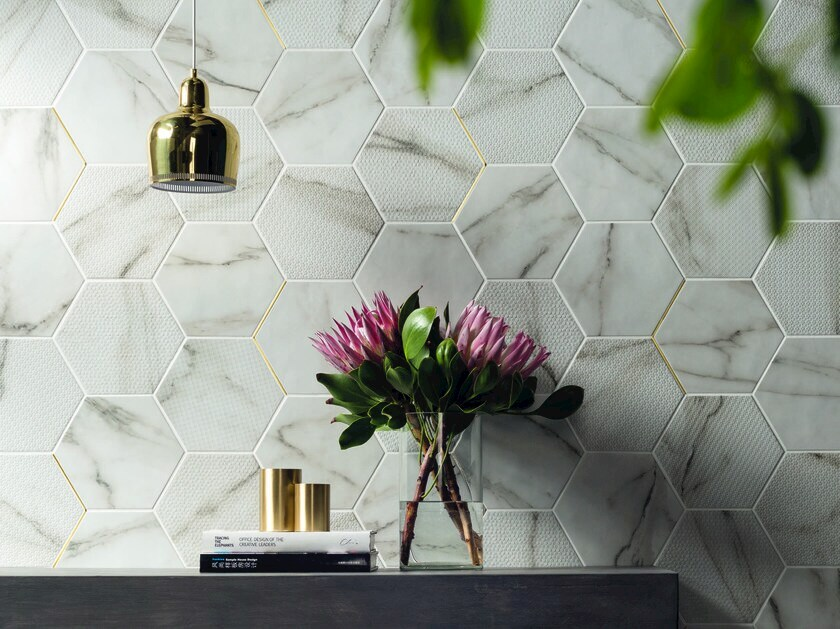 Porcelain stoneware wall/floor tiles with marble effect MOTIF CALACATTA GOLD by Marca Corona