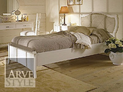 Lacquered bed with tufted headboard NAIMA | Solid wood bed - Arvestyle