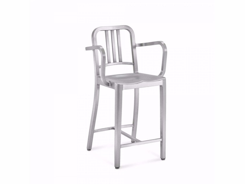 Aluminium chair with armrests 1006 NAVY® | Chair by Emeco