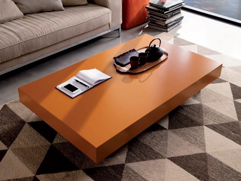 Tavolino ad altezza regolabile pieghevole NEWOOD | Tavolino laccato by Ozzio Italia