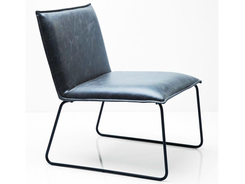 Sled base upholstered armchair NIELS VINTAGE - KARE-DESIGN
