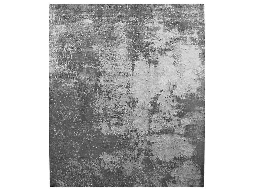 Handmade rug NORRHULT LAERKEVEJ - HENZEL STUDIO