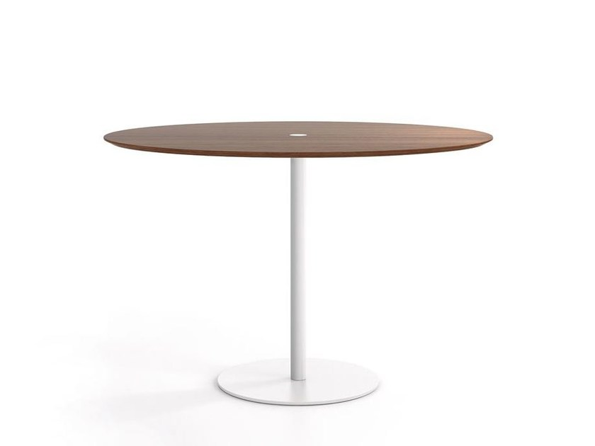 Round wooden contract table NÚCLEO | Round table - Punt