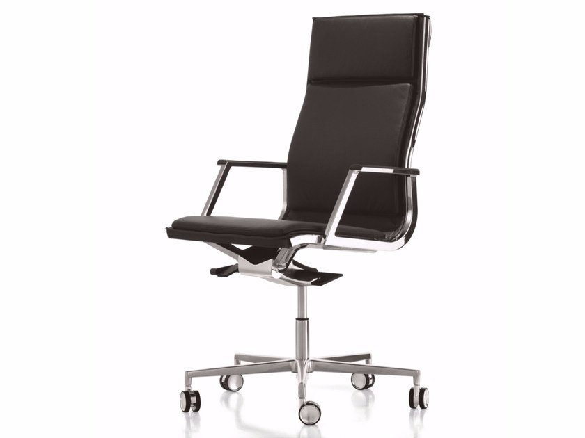Height-adjustable executive chair with 5-spoke base with casters NULITE | Executive chair - Luxy