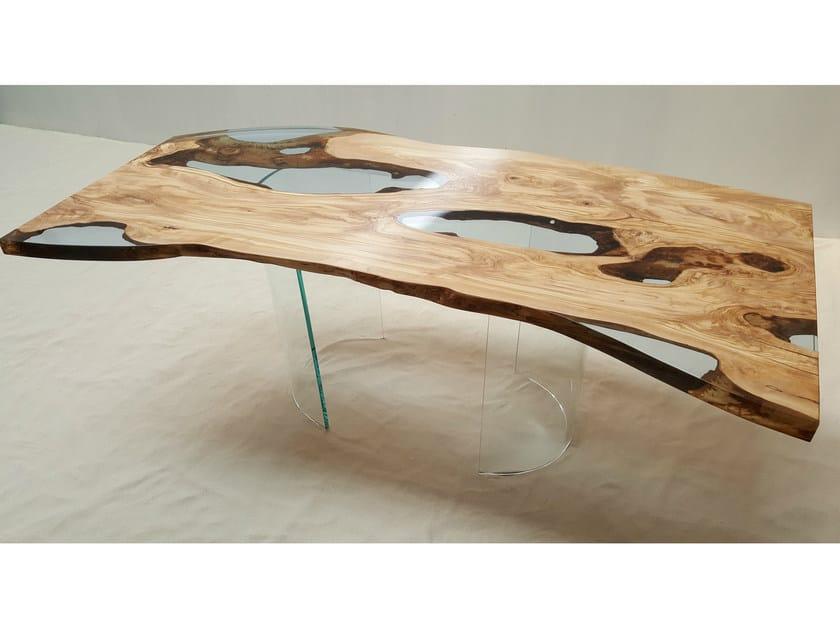Tavolo in resina e legno di ulivo olive tree azimut resine for Tavolo resina epossidica