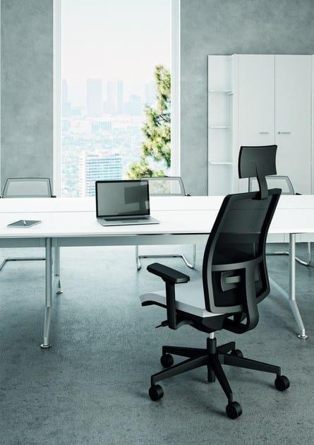 Sedia ufficio operativa a 5 razze oltre sedia ufficio for Quadrifoglio arredo ufficio