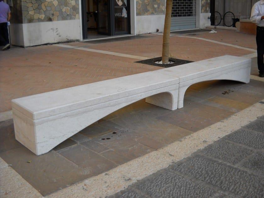 Panchina in pietra di apricena onda panchina in pietra for Arredo urbano panchine