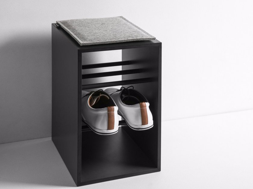 HPL shoe cabinet ONTO - conmoto by Lions at Work