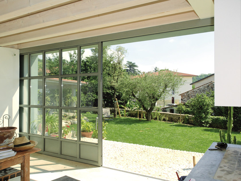 Finestra a taglio termico scorrevole in acciaio opificium finestra scorrevole palladio - Finestra a vasistas ...