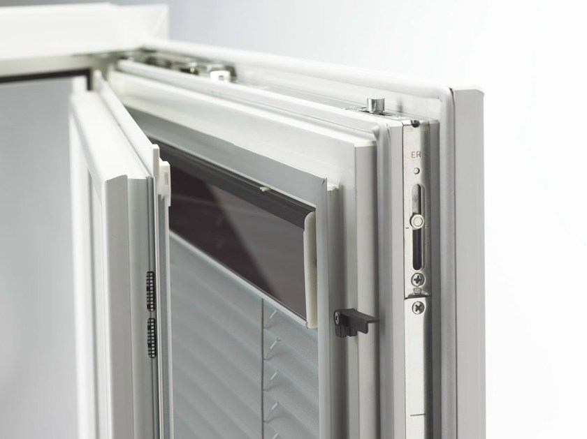 Integrated venetian blind I-TEC INTEGRATED SHADING - INTERNORM Italia