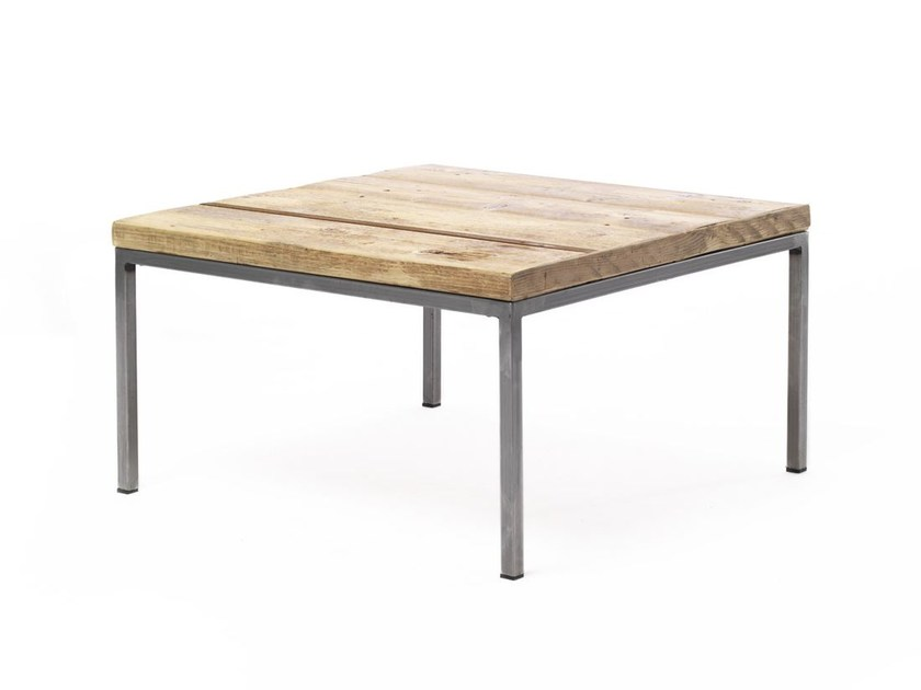 Low square spruce coffee table OTELLO | Coffee table by Vontree