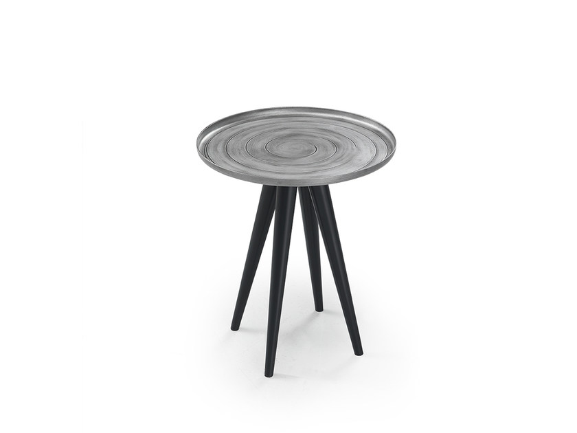 Round aluminium coffee table OUTLINE | Round coffee table - Oliver B.