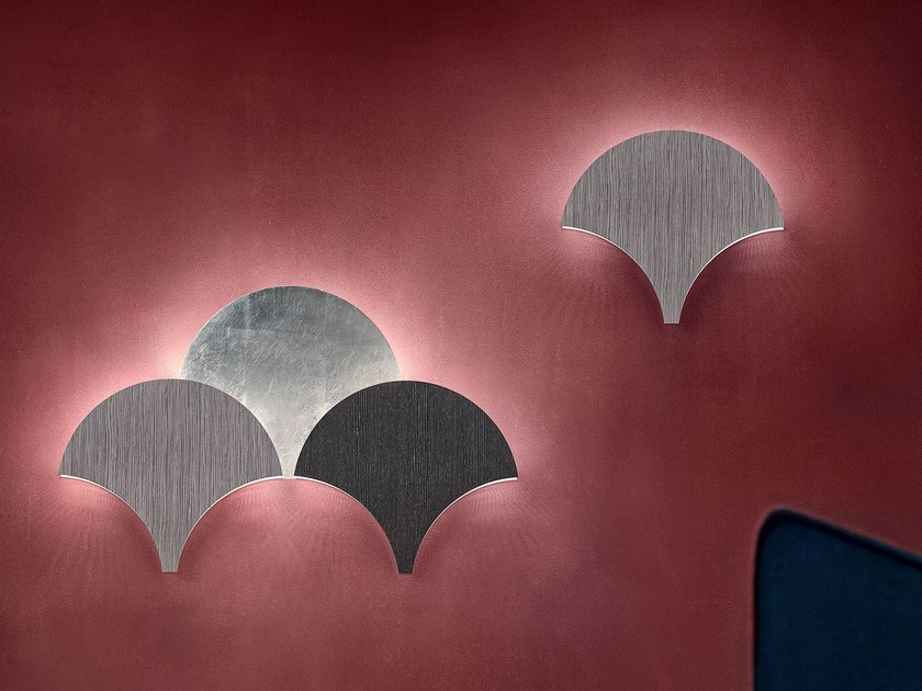 LED direct-indirect light painted metal wall light PALM by Masiero