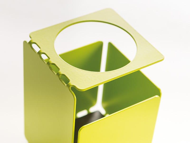 Painted metal pen holder PERFO | Pen holder by MANADE