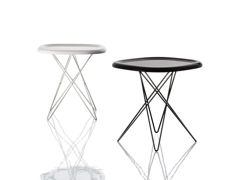 Low square powder coated steel coffee table PIZZA TABLE | Low coffee table by Magis