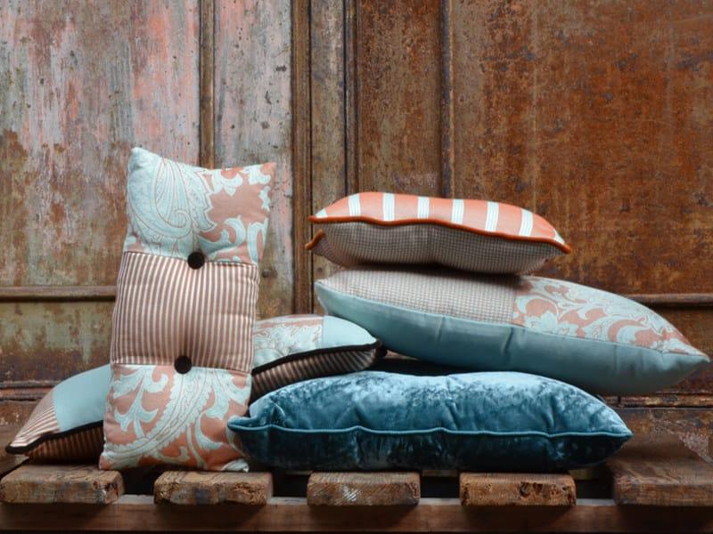 Reversible jacquard fabric POPCOLOR CACHEMIRE by l'Opificio