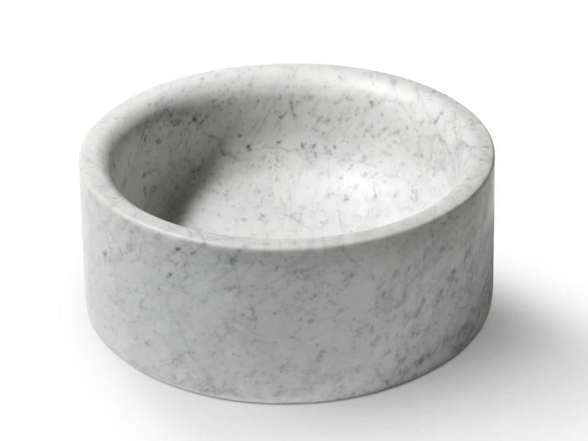 Countertop round stone washbasin POZZO by SALVATORI