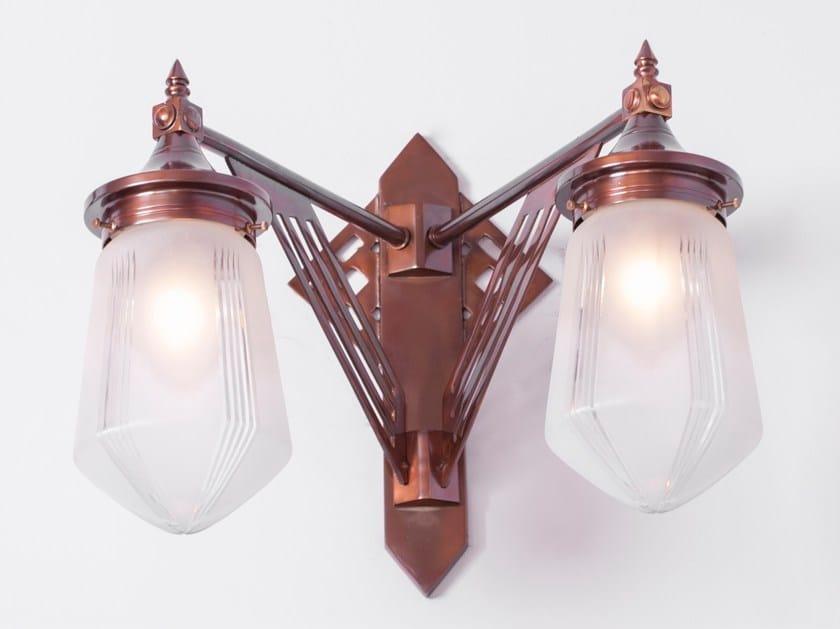 Lampada da parete a luce diretta fatta a mano in ottone PRAGUE III | Lampada da parete - Patinas Lighting