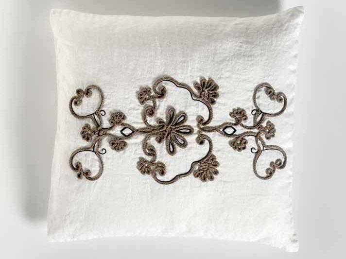 Square hand embroidered linen cushion FIORE | Square cushion by LA FABBRICA DEL LINO