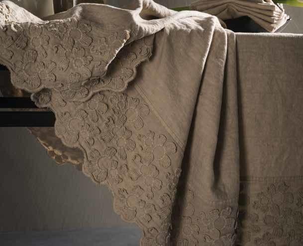 Tovaglia in lino primula tovaglia la fabbrica del lino - La fabbrica del lino letto ...