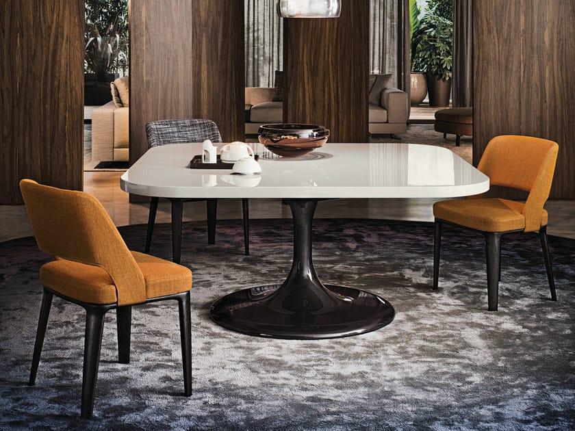 neto quadratischer tisch by minotti. Black Bedroom Furniture Sets. Home Design Ideas