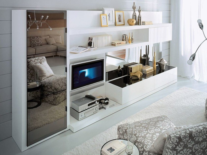 Wall-mounted lacquered TV wall system LALTROGIORNO 821 by TUMIDEI