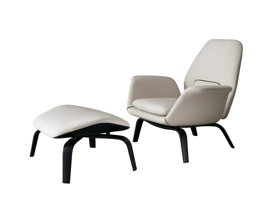 Armchair gilliam by minotti for Interesting armchairs