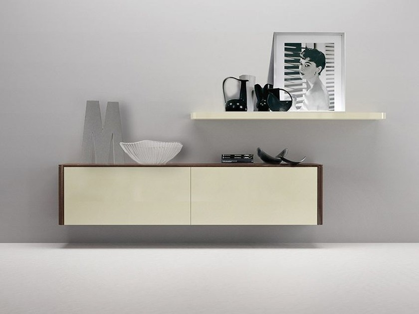 Sectional wall-mounted lacquered storage wall LALTROGIORNO 841 by TUMIDEI