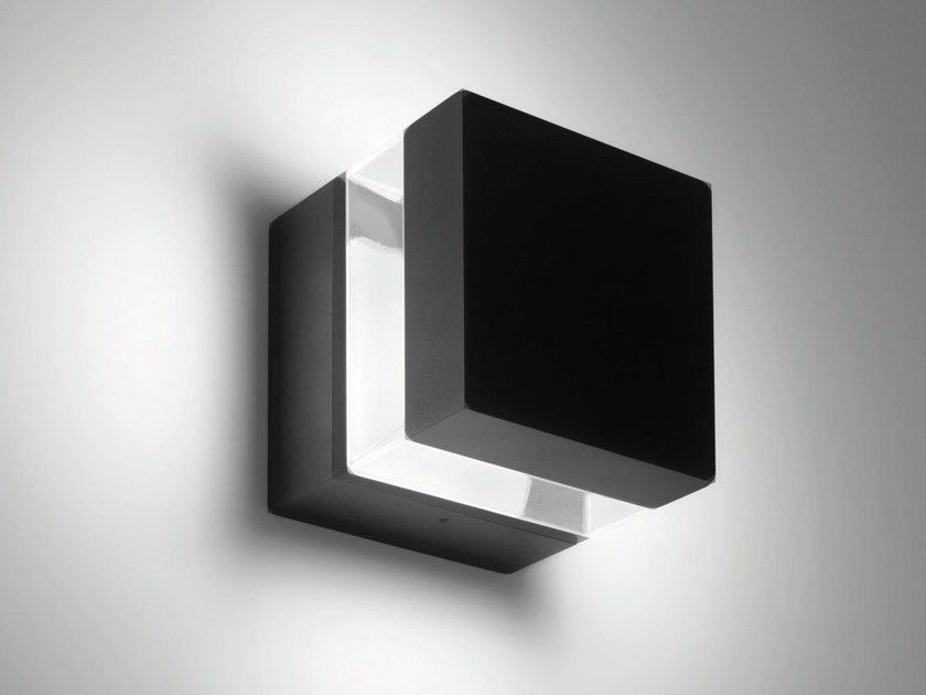 LED wall lamp TETRAGONO | Wall lamp by Artemide