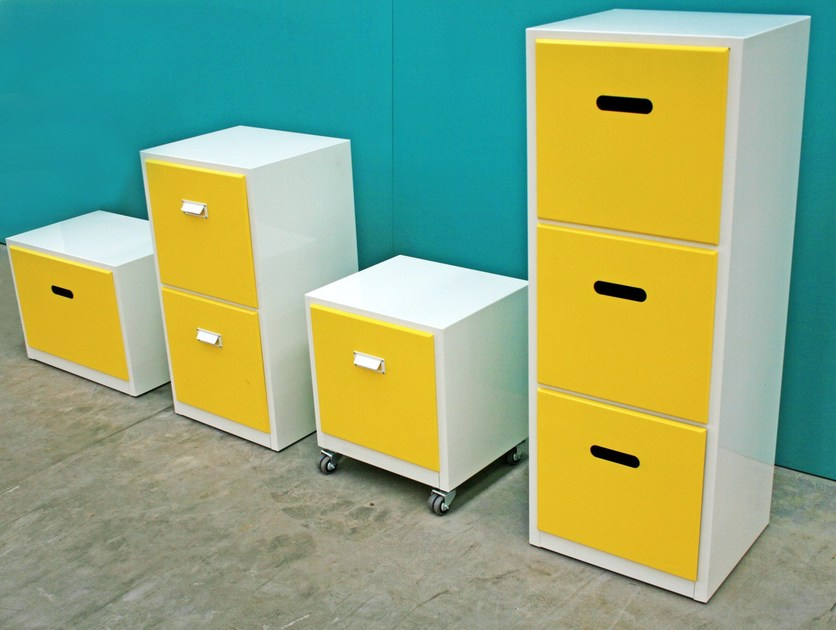 kommode aus metall vinile by officine tamborrino. Black Bedroom Furniture Sets. Home Design Ideas