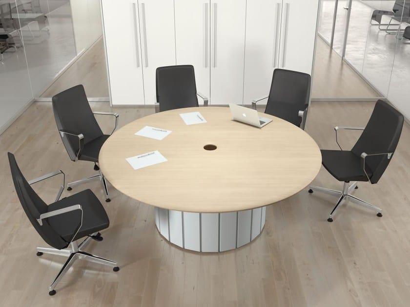 Tavolo da riunione rotondo in legno collezione format by for Tavolo da studio