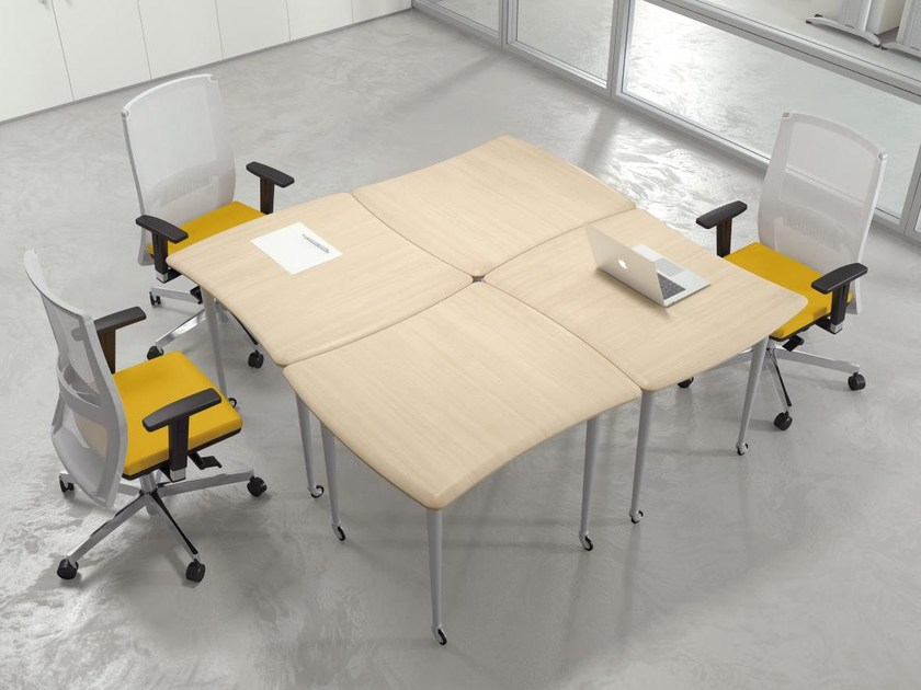 Square wooden meeting table with casters FORMAT | Square meeting table - Las Mobili