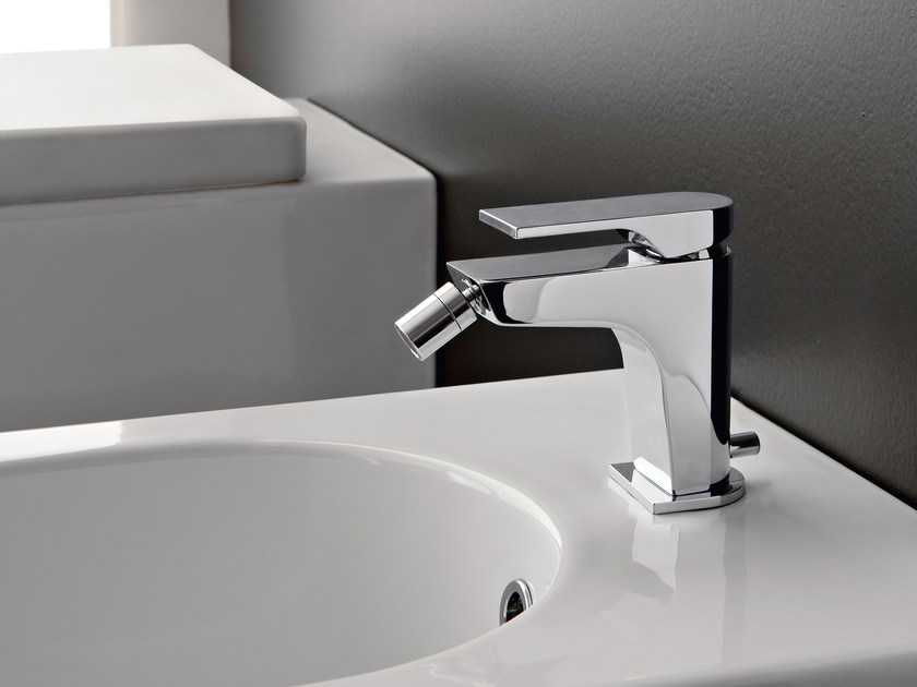 Countertop bidet mixer with flexible hose 100 | Bidet mixer - ZAZZERI