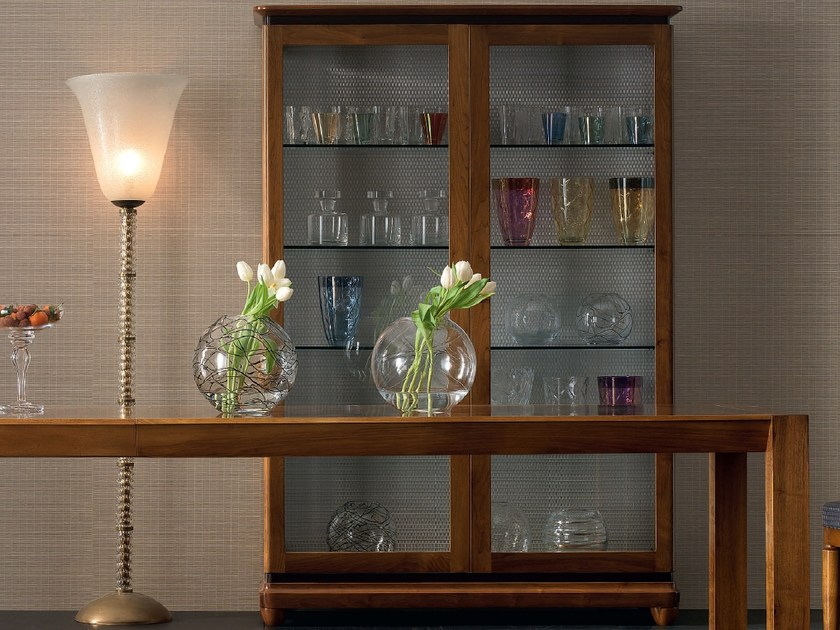 Solid wood display cabinet ELETTRA DAY | Display cabinet by Cantiero